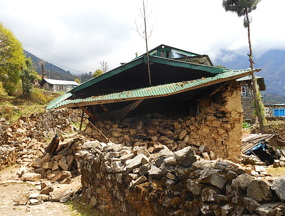 nepal-earthquake-damage-sized